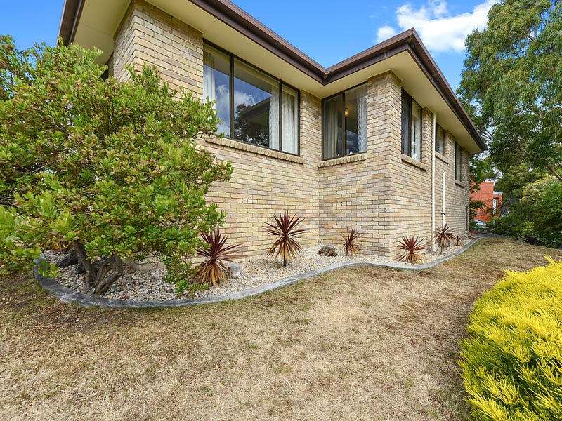 2/18 Bentley Road, Lenah Valley, Tas 7008