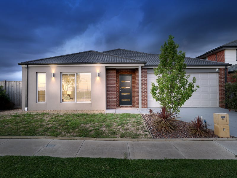 8 Seagrass Crescent, Point Cook, Vic 3030