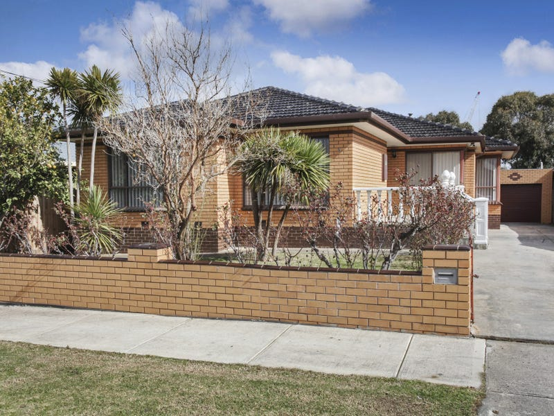 19 Meadowbank Drive, Sunshine North, Vic 3020