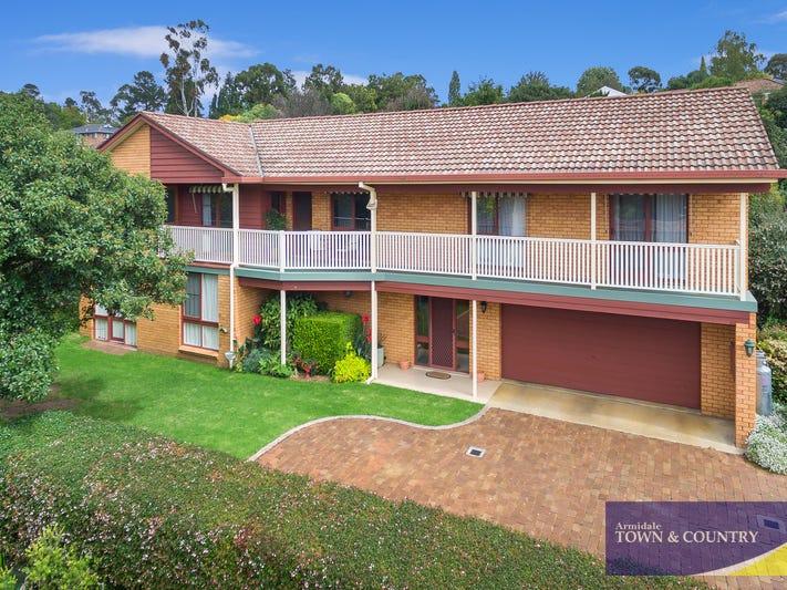 16 Stewart Crescent, Armidale, NSW 2350
