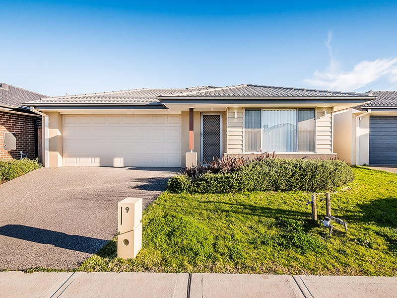 9 Campaspe Street, Clyde North, Vic 3978
