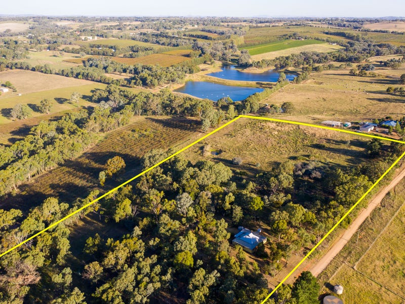 25 Tierneys Road, Young, NSW 2594