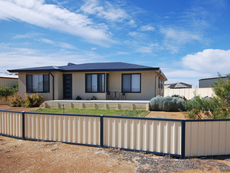 16 Glover Crescent, Green Head, WA 6514