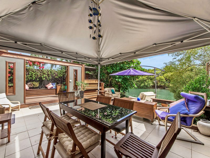 1/5 Royal Palm Court, Southport, Qld 4215