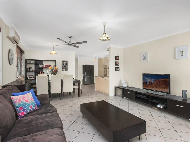 2/6 Craft Court, Miami, Qld 4220