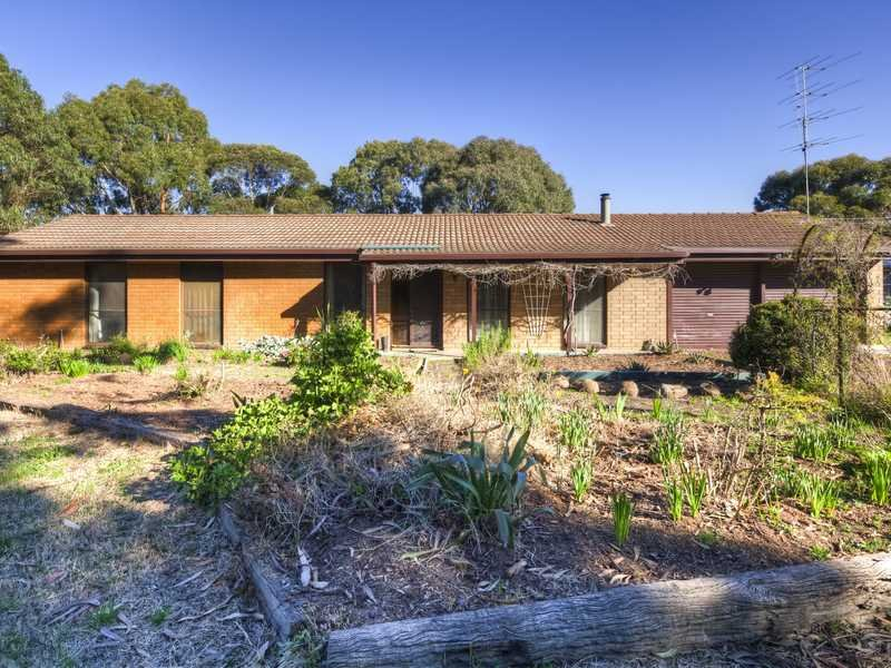 104 Mt Doran Egerton Road, Mount Doran, Vic 3334