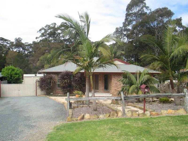 18 Renee Crescent, Moruya Heads, NSW 2537
