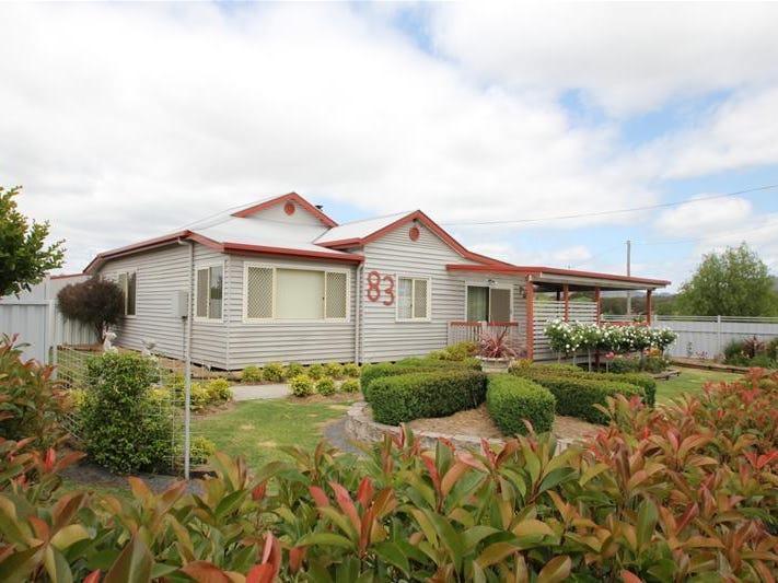 83 Douglas Street, Tenterfield, NSW 2372
