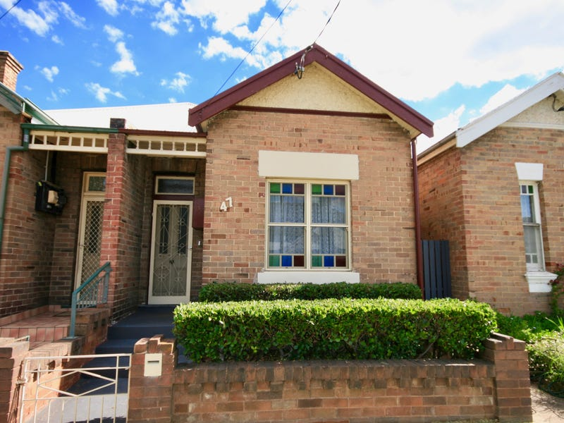 47 Read Ave, Lithgow, NSW 2790