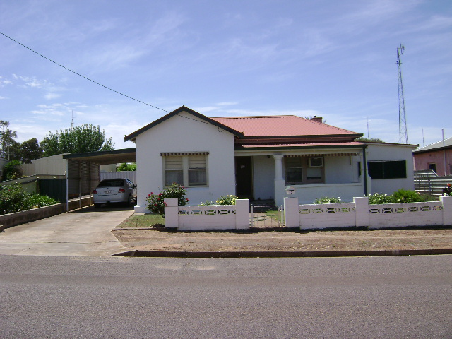 3 Fifth St, Cleve, SA 5640