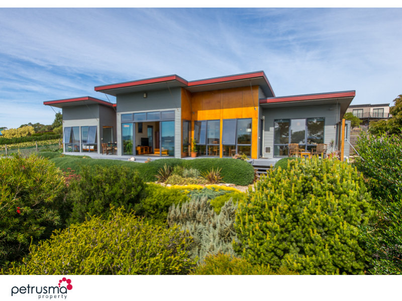 34 Meadows Place, Opossum Bay, Tas 7023