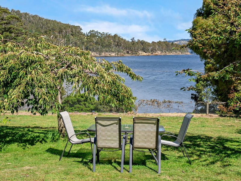 442 Cygnet Coast Road, Petcheys Bay, Tas 7109