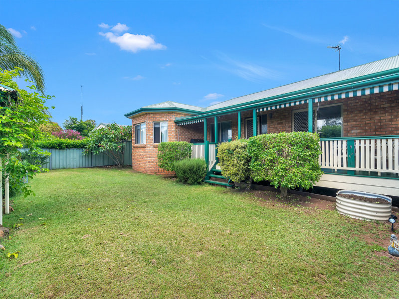 11 Tower Crescent, Gowrie Junction, Qld 4352