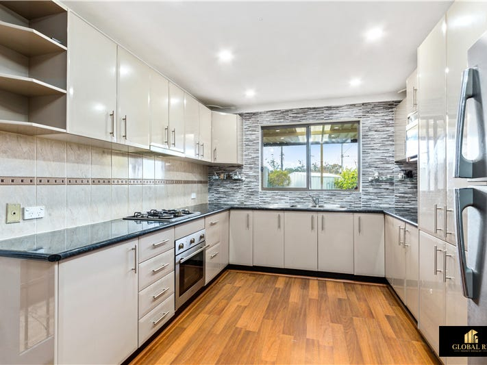 16 lakewood cre, Casula, NSW 2170