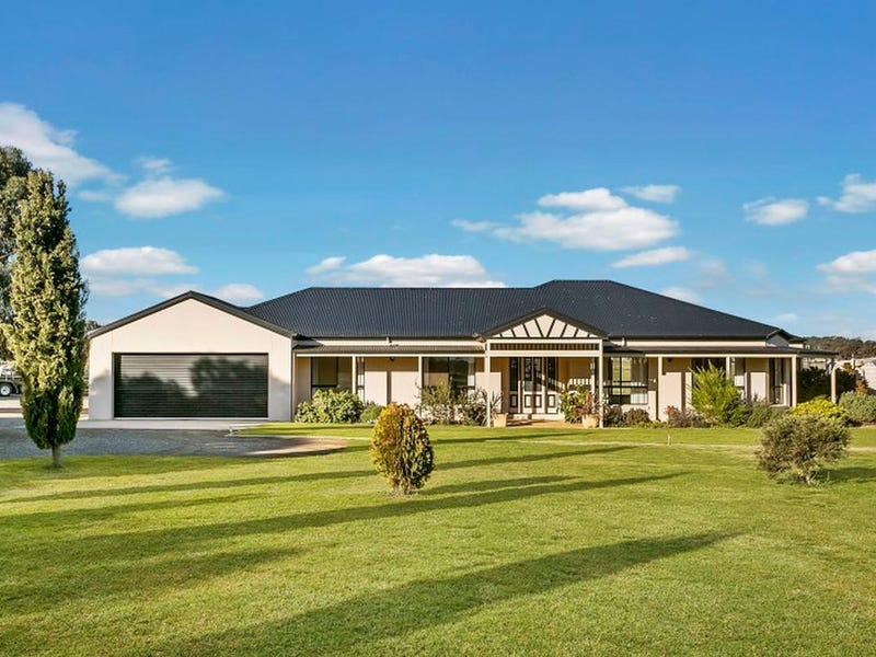 301 Pinchgut Lane, Shelbourne, Vic 3515