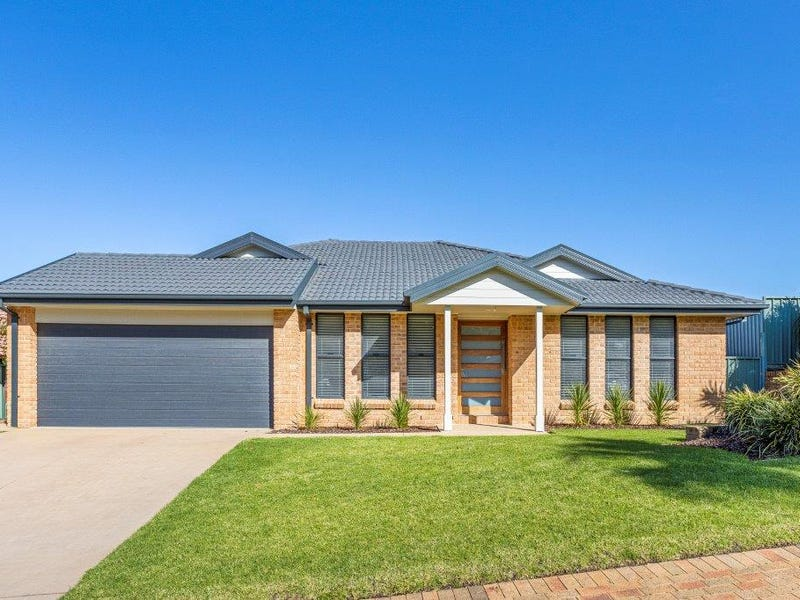 8 The Circuit, Shellharbour, NSW 2529