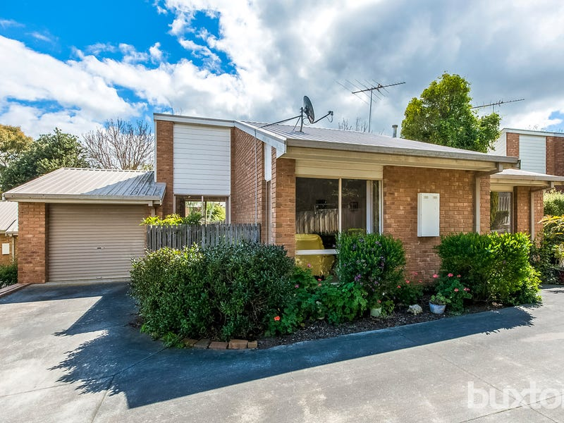 2/3 Augustine Drive, Highton, Vic 3216