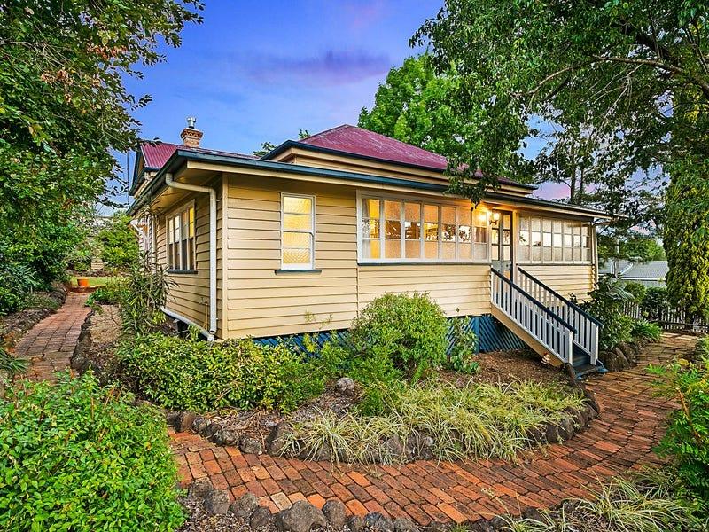 62 Hume Street, North Toowoomba, Qld 4350