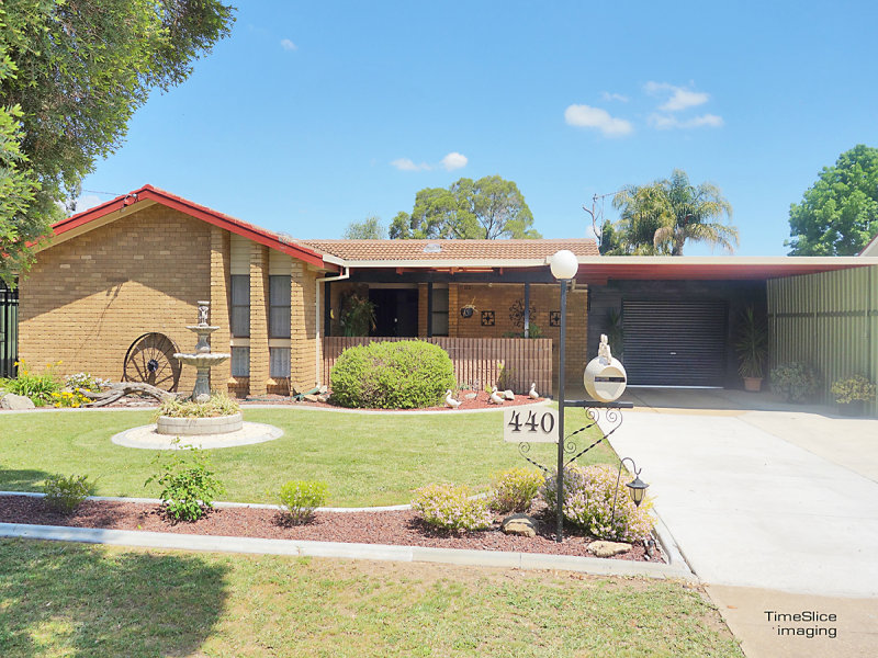 440 Lake Albert Road, Lake Albert