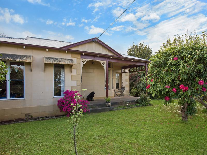 2 Lawrence St, Camperdown, Vic 3260