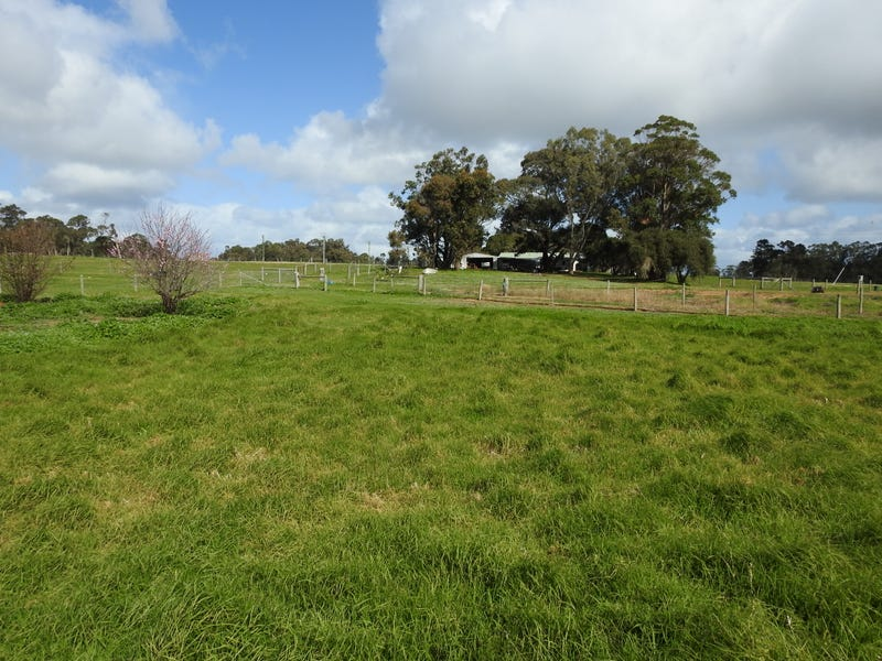 19 Lovejoy Road, Cowaramup, WA 6284