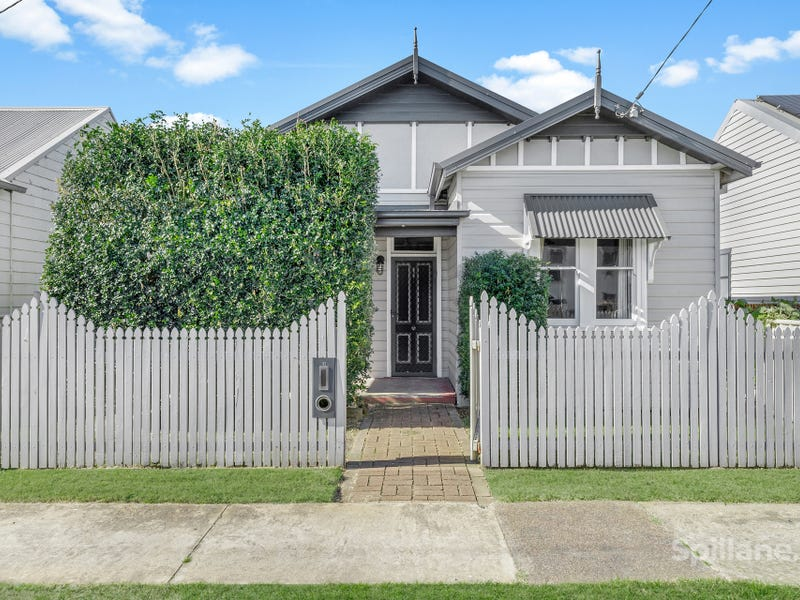 12 William Street, Stockton, NSW 2295