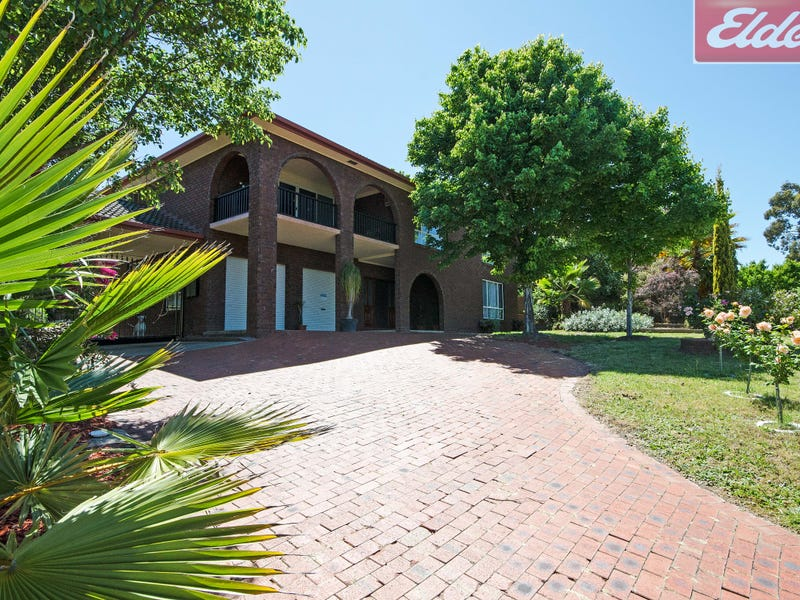 9 Darrung Place, Springdale Heights, NSW 2641