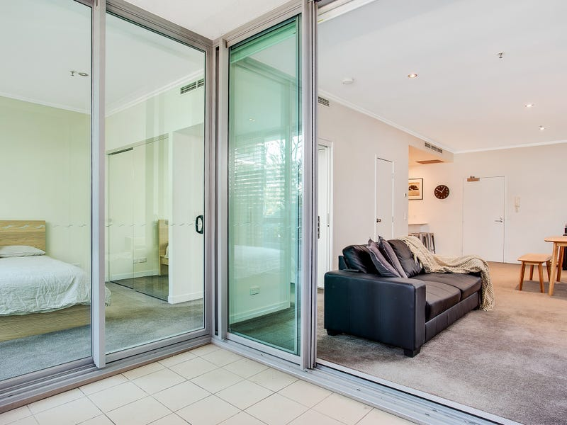 Unit 1003/33 T E Peters Drive, Broadbeach Waters, Qld 4218