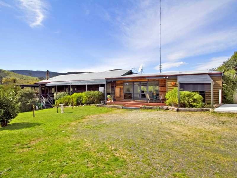 490 Davis Road, Broadford, Vic 3658