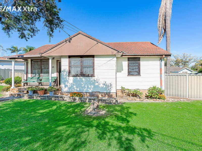 48 Nauru Crescent, Lethbridge Park, NSW 2770