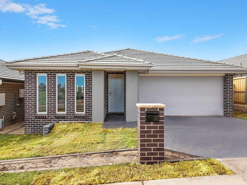 8 Rowan Street, Oran Park, NSW 2570