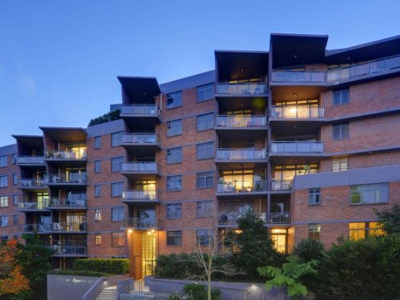 52/24-28 College Crescent, Hornsby