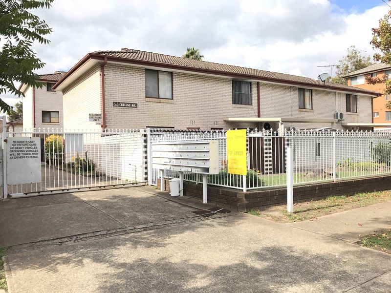 15/6-8 Clifford Avenue, Canley Vale, NSW 2166