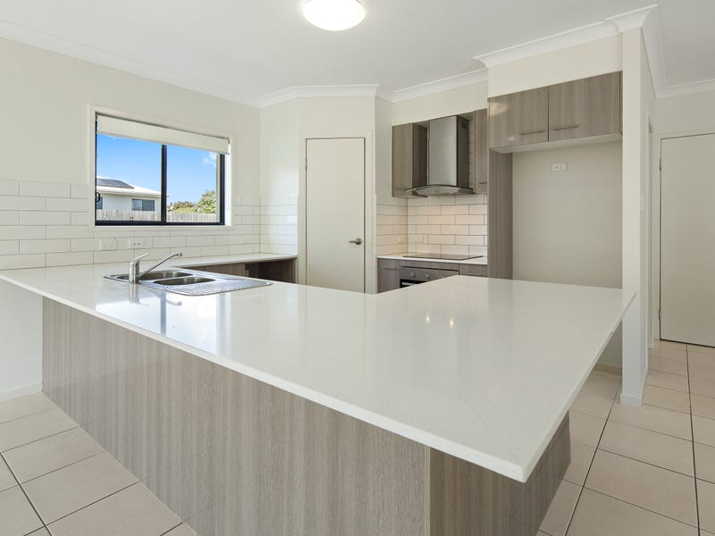 63 South Molle Boulevard, Cannonvale, Qld 4802