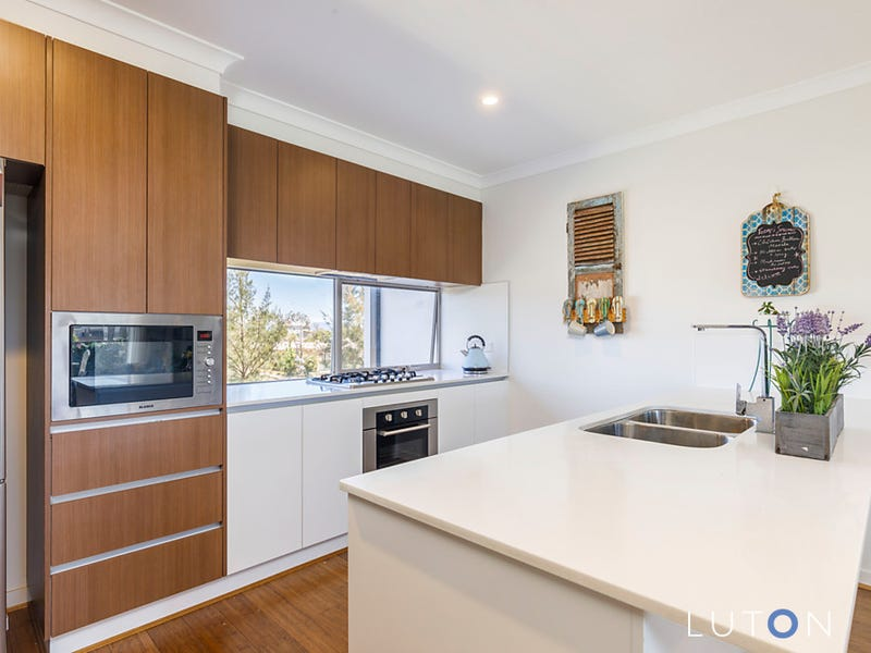 30/8 Henry Kendall Street, Franklin, ACT 2913