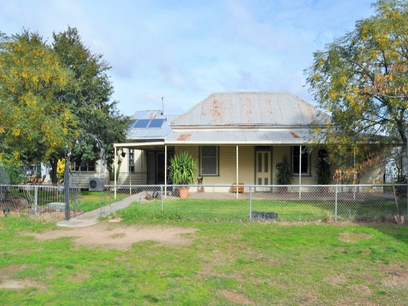 320 Brittas Reserve Road, Walbundrie, NSW 2642