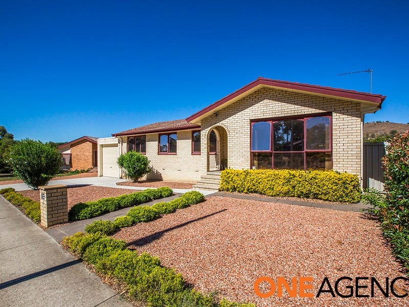 4 Vansittart Crescent, Kambah, ACT 2902