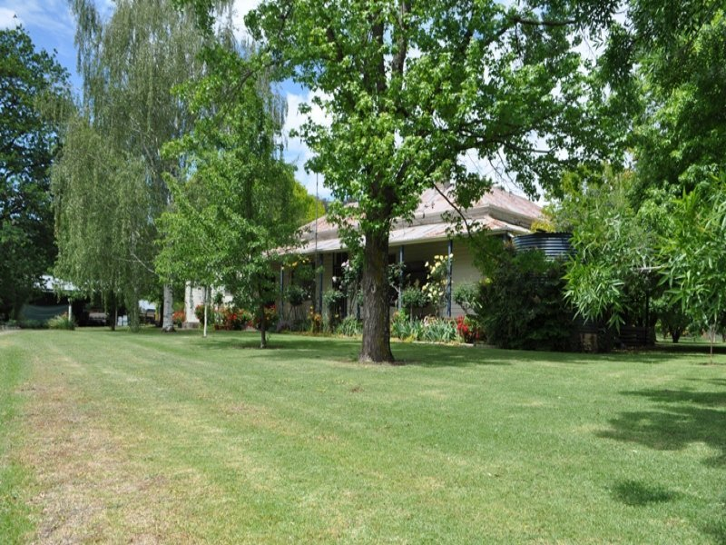 1923 Gundowring Road, Gundowring, Vic 3691