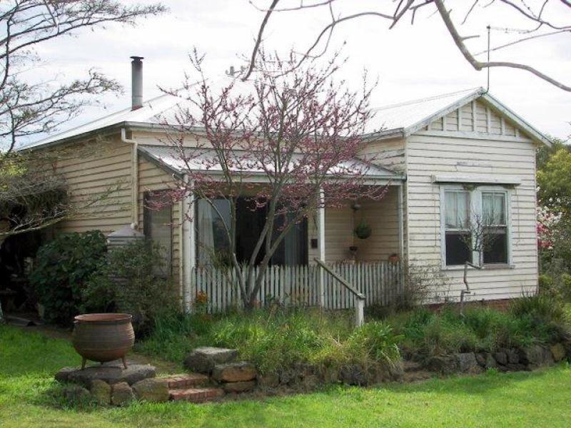 913 Hawks Nest Road, Pirron Yallock, Vic 3249