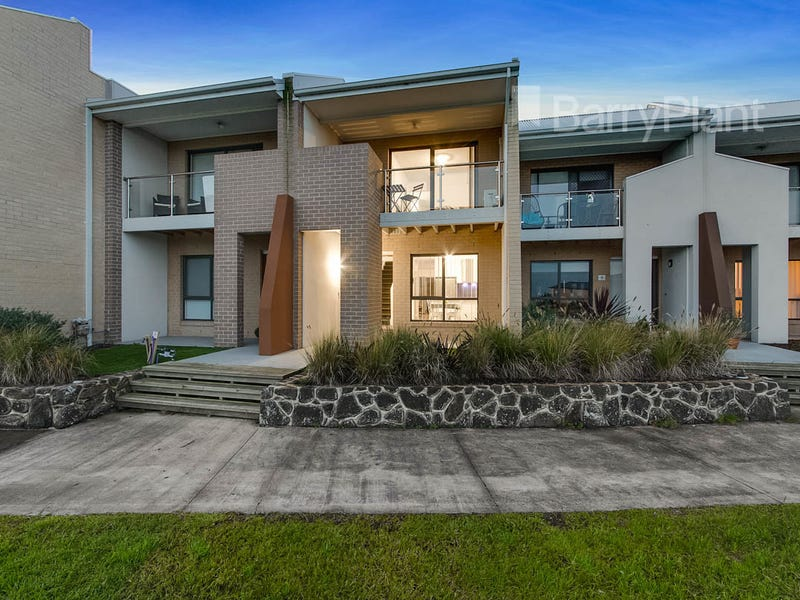 8/7 Cyan Crescent, Officer, Vic 3809