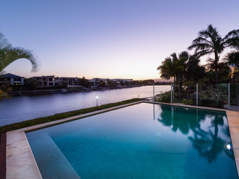 10 Coomera Ct, Helensvale, Qld 4212