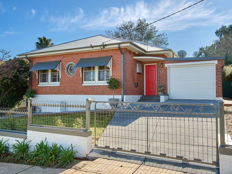 17 Urana Street, Turvey Park, NSW 2650