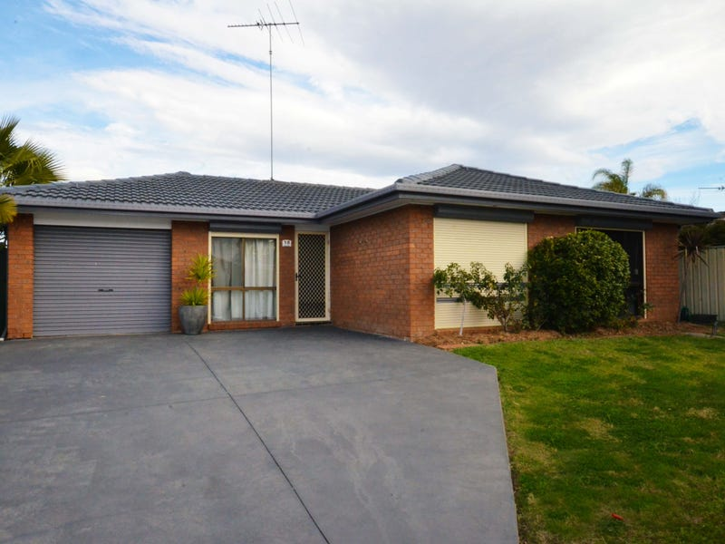 18 Alroy Crescent, Hassall Grove, NSW 2761