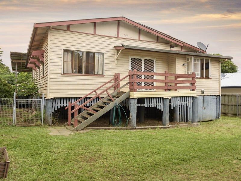 206 Perth St, South Toowoomba, Qld 4350