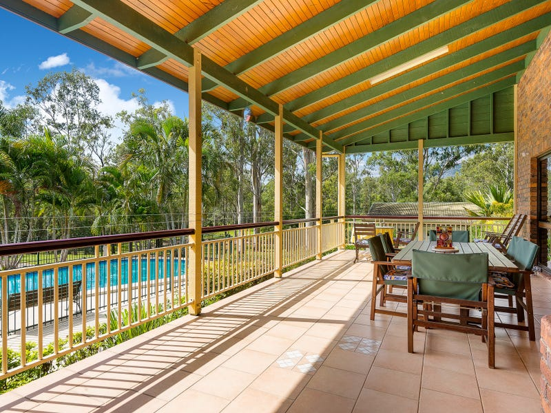 12 Petersen Road, Camp Mountain, Qld 4520