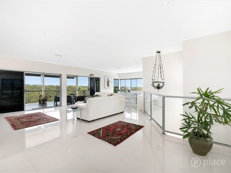 Residence 2 35 Tullylease Place, Chermside West, Qld 4032