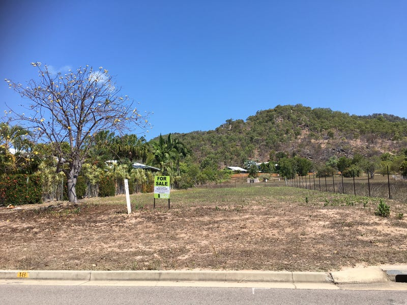104 Gifford St, Horseshoe Bay, Qld 4819
