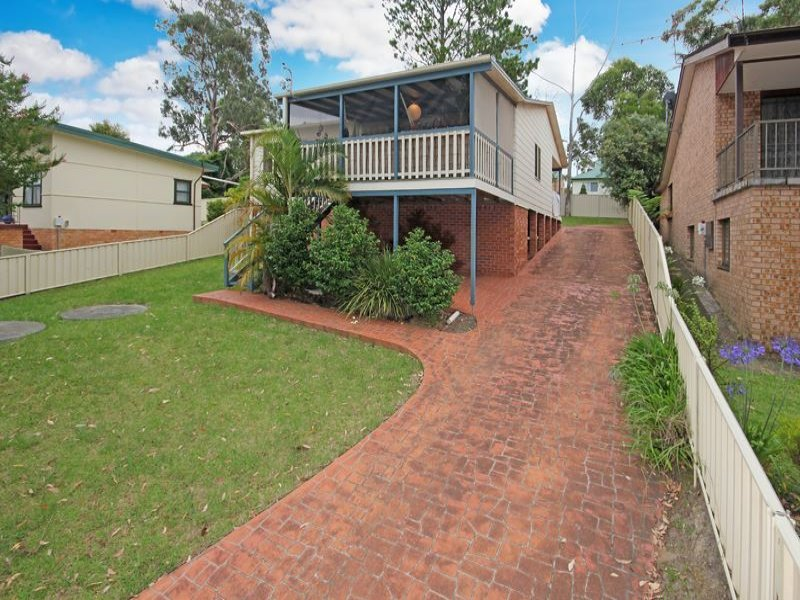 39 River Road, Lake Tabourie, NSW 2539