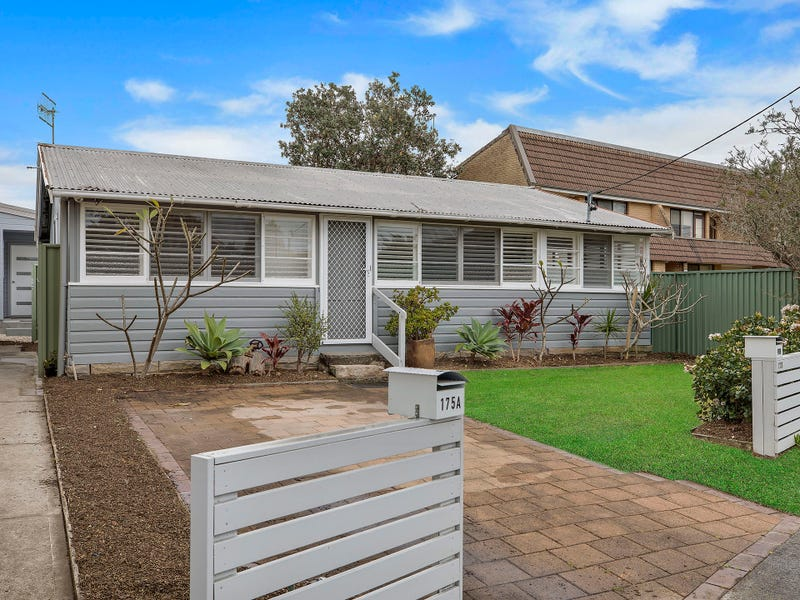 175 Bay Road, Toowoon Bay, NSW 2261