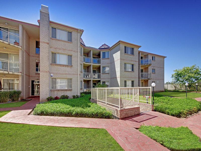 14/1 Hillview Street, Roselands, NSW 2196